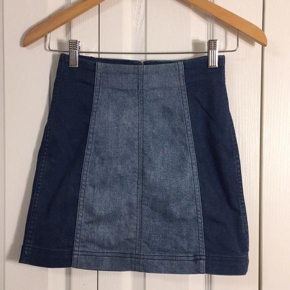 Free People Dresses & Skirts - Free People mini jean skirt. Elastic waist Sz 0
